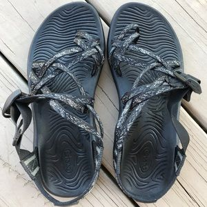 Black and white Chaco